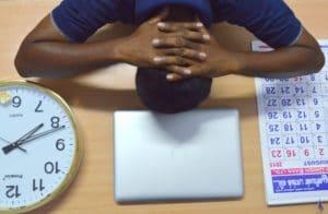 evita lo stress sul lavoro cerca di mantenere ritmi umani, non siamo macchine