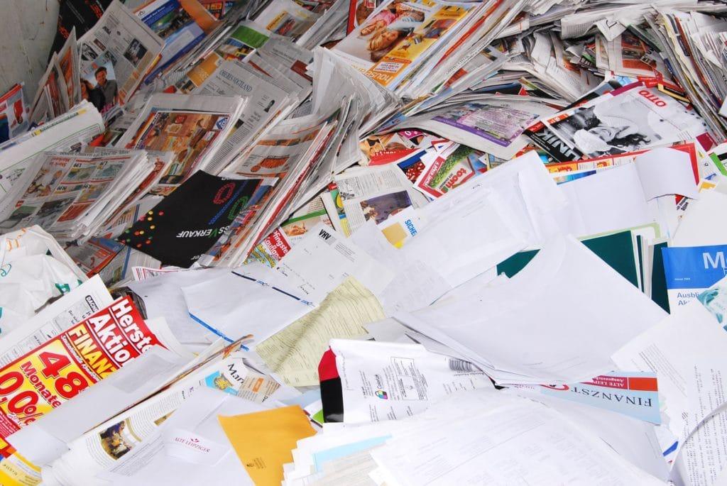 carta, riviste, vecchi giornali