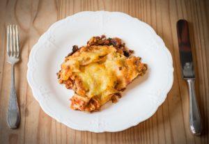un bel piatto di lasagne vegane