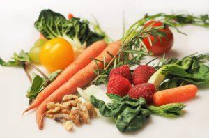 insalata sempre alla base del cibo vegetariano