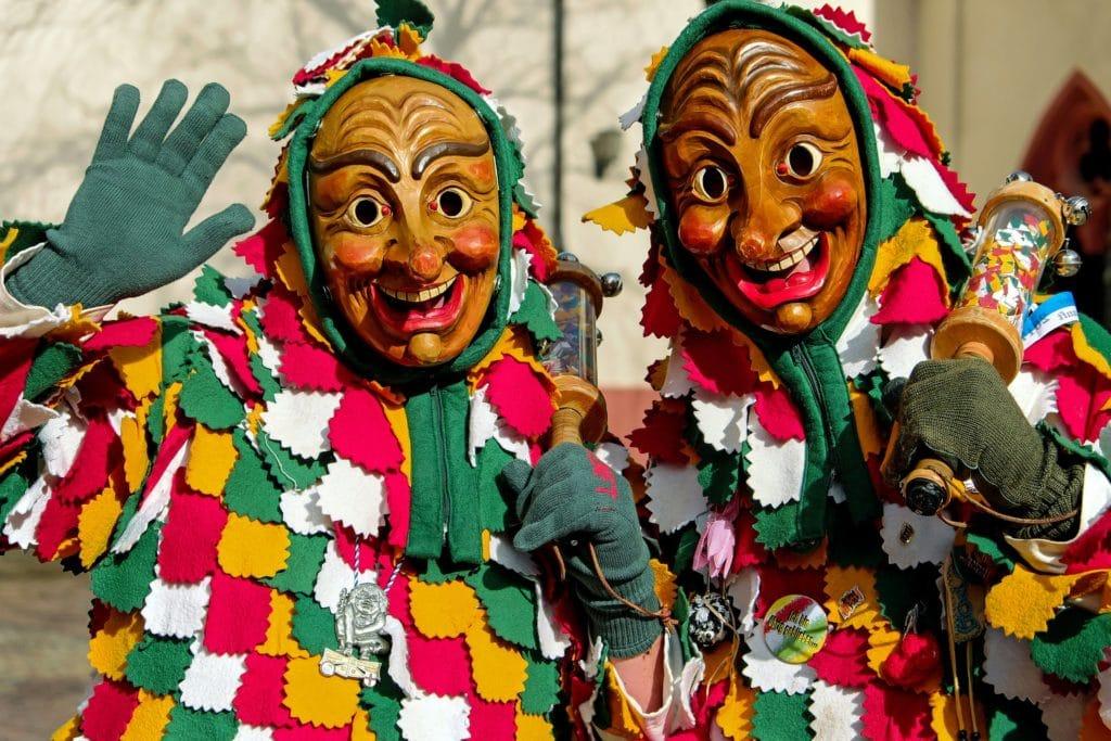 Costumi di Carnevale realizzati con il riciclo creativo