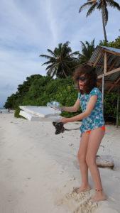 spiagge-invase-dalla-plastica
