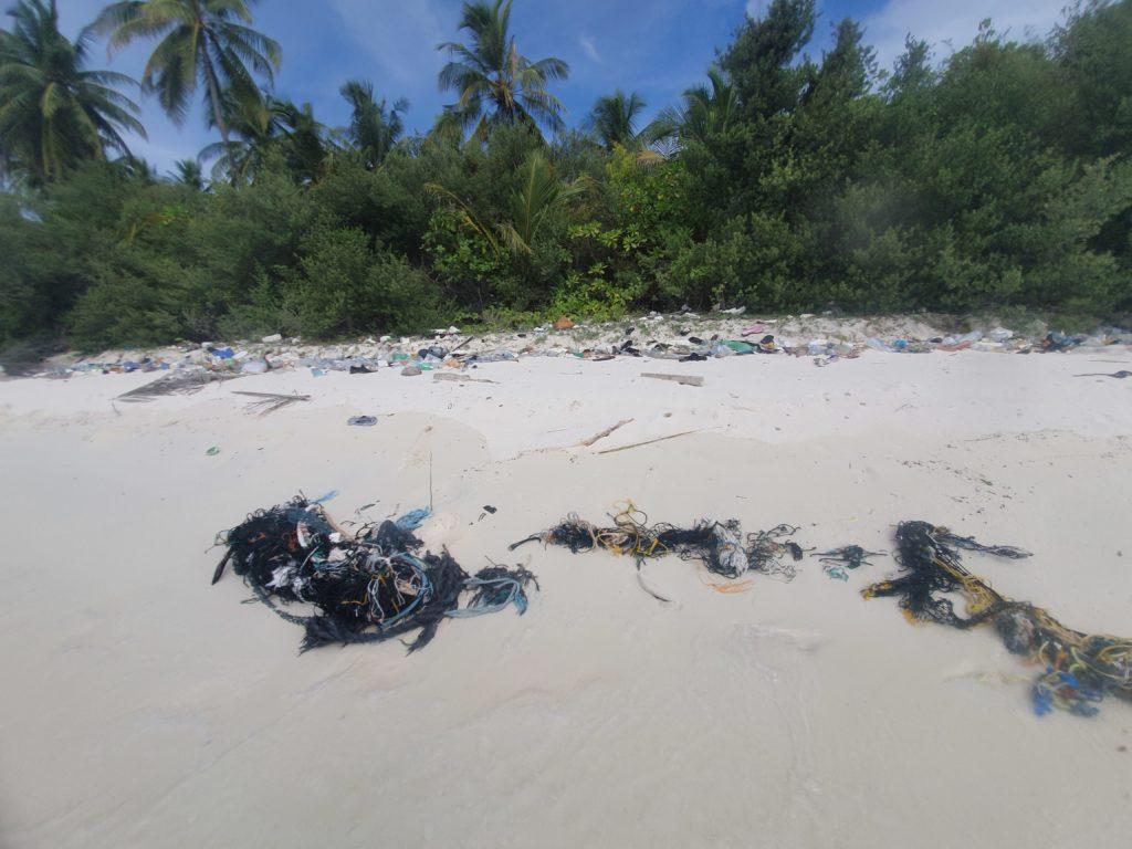 Inquinamento-da-plastica-alle-maldive