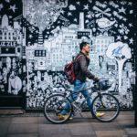 Andare a lavoro in bicicletta ed essere pagati: ecco le città pioniere