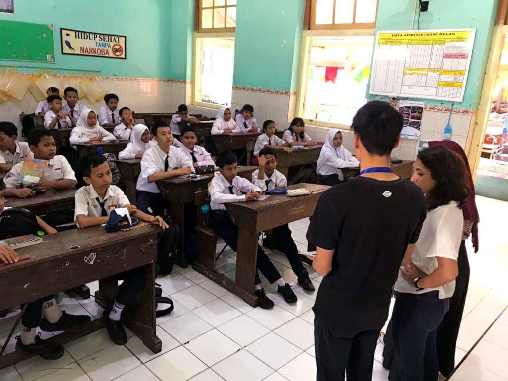 Il progetto di Aiesec a Surabay ha riguardato anche l'educazione ambientale nelle scuole.